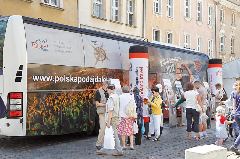Autobus Polskiej Organizacji Turystycznej