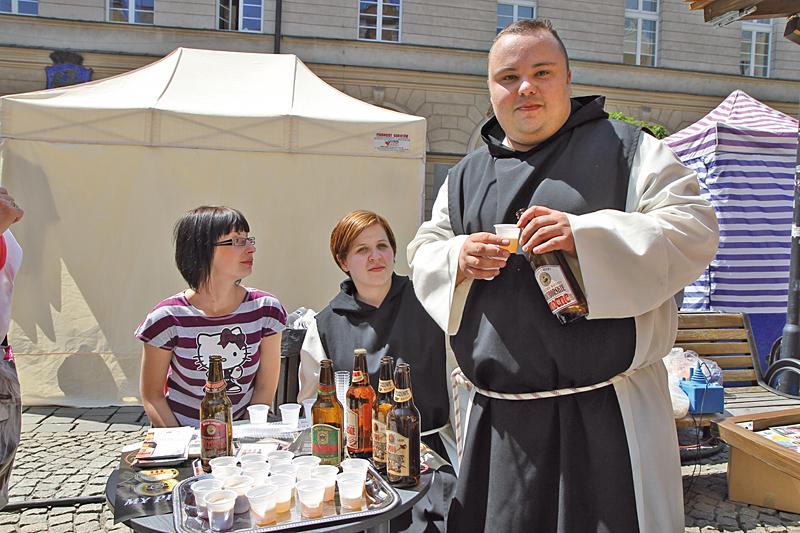 Degustacja piwa produkowanego przez Cystersów z Raciborza