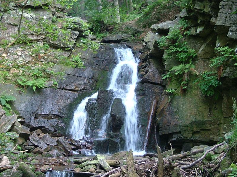 Kaskady Rodła w Wiśle to unikatowy zespół ok. 25 naturalnych wodospadów i progów rzecznych
